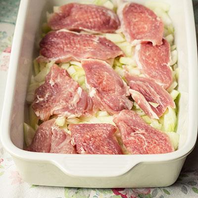 Zapečené maso s brambory - recept krok 2