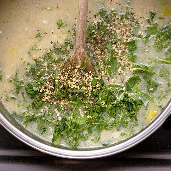 Chřestová polévka s rukolou - recept krok 4