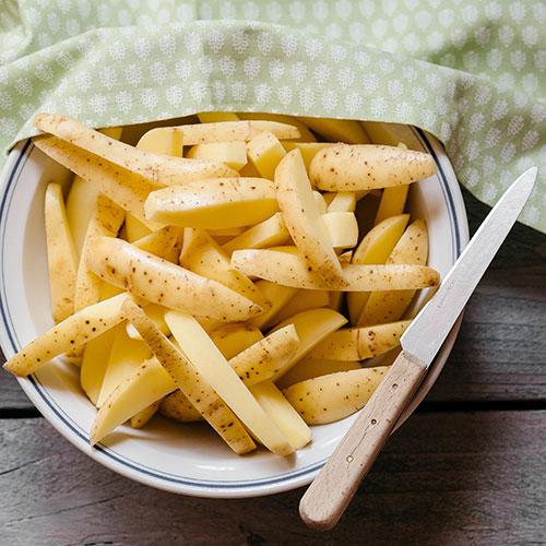 Farmářské bramborové hranolky - recept krok 1