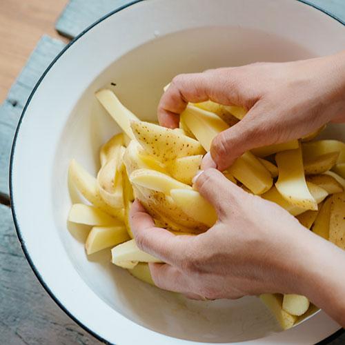 Farmářské bramborové hranolky  - recept krok 3