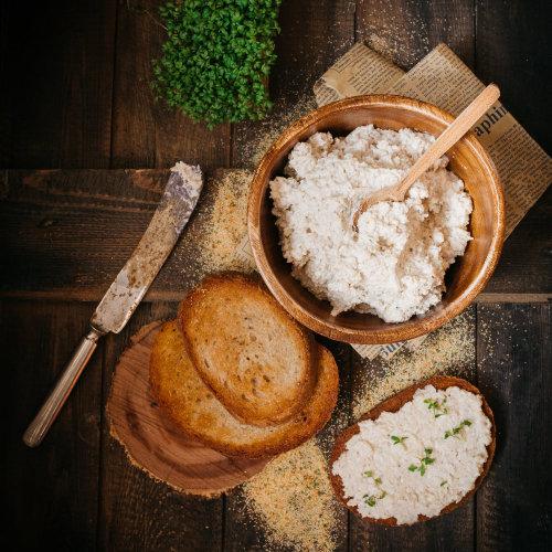Topinková česneková pomazánka – recept krok 3